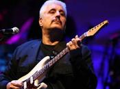 Video. Sanremo story: Pino Daniele incanta l'Ariston