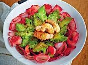 Fiori scalogno rosso broccoli scampi.