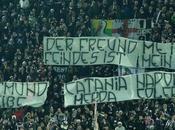 """Allo Stadium Torino ancora striscioni contro Napoli Catania: """"Colera…"""""""