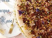 Spagna lievitato all'acqua rose, glassato verde... buon compleanno! Sponge cake leavened with rose water, glazed green