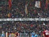 Calcio, Roma-Napoli: Curva dell'Olimpico resterà chiusa turno causa degli striscioni contro madre Ciro Esposito