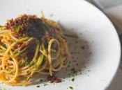 Spaghetti pesto pomodori secchi asparagi