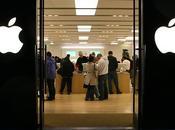 Sempre meno scaffali dentro Apple Store