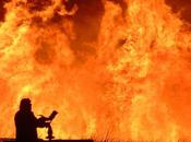 Tragedia Campania: uomo perde vita causa incendio