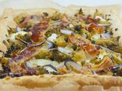 Torta salata broccoli, pancetta stracchino Puff pastry tart with bacon cheese