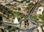 Piramide Cestia restaurata. oggi torna alla mercé tubi scappamento