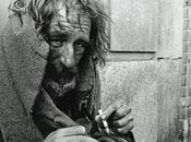 mondo invisibile senzatetto: vivere strada spirale senza uscita?