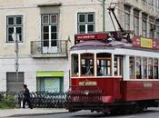 Lisbona valigia piena domande.