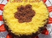 Torta Spagna bicolore farcita mascarpone fragole panna