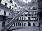 """carcere come """"extrema ratio"""", """"Abolire carcere"""" (Chiarelettere)"""