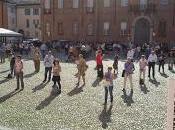 PAVIA. Sentinelle Piedi presenti Carmine; Sentinelli piazza Vittoria.