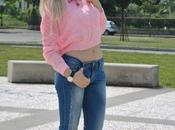 Outfit: pink crop top, skinny jeans heels