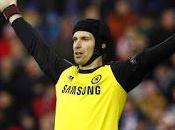 Manchester United: pronto colpo Cech