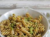 Insalata pasta pesto, zucchine gamberetti Bimby