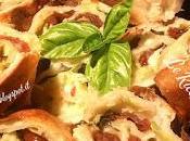 Rustici pasta all'olio zucchine novelle, provola pomodorini secchi