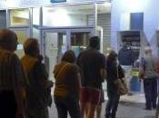 Grecia, nella notte assalto bancomat. Oggi riunione dell'Eurogruppo
