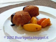 Cubi taleggio fritto pesche caramellate