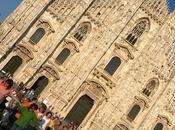 Milano Grecia balla piazza Duomo