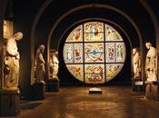 Nessun'altra delle città d'arte italiane mantiene vivo patrimonio culturale civile medioevo come Siena.