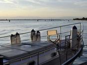 barca imbarca lato divertente Venezia