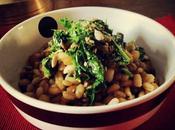 Insalata tiepida orzo, lenticchie spinaci salsa soia