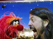 DAVE GROHL Duello batteria Animal Muppets (video)