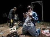 """""""L'anniversario"""" Teatro 99Posti Gianluca d'Agostino porta scena l'ambivalenza dell'amore dell'abbandono."""