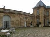 Bordeaux: uova sode finte cannelés veri