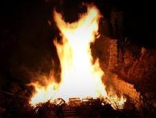 tempo donne bruciavano rogo