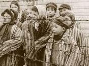 ricordo dell'Olocausto alla speculare follia dell'ISIS