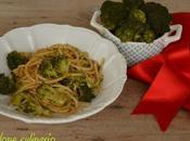 Pasta broccoli, acciughe pane tostato