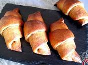 Croissant khorasan burro arachidi datteri: chiamamola follia tingiamola sorrisi