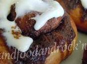 Cinnamon rolls with creamcheese glaze