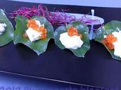Foglie d'ostrica crema acida, uova salmone germogli barbabietola
