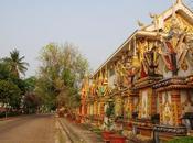 vita scorre lentissima Laos Meridionale