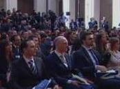Berlusconi voglia invitarvi Bunga (08.04.11)