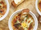 Uova cocotte formaggio erba cipollina