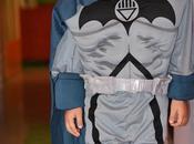 Costumi Halloween bambini: piccolo travestito Batman