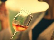 bianco rosso. orange vino dell'autunno