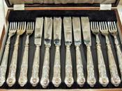Cucchiai, cucchiaini posate antiche tavola giorni speciali