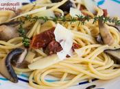 Spaghetti senza glutine funghi cardoncelli pomodori secchi