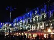 Natale Como: luci illuminano edifici centro