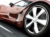 bellezza possedere un'auto sportiva