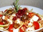 Insalata farro feta olive schiacciate condite alla siciliana