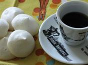 Esperimenti Meringhe senza uovo Eggless Meringues