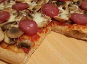Pizza funghi, mozzarella salame strolghino