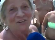 """Estate diretta, signora l'uso perizoma: """"Non piace filo c**o"""" (VIDEO)"""