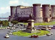 Napoli, parla inglese rischia andare piedi