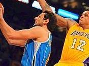 Belinelli arrende Lakers Chicago elimina Indiana