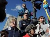 molti manifestanti Russia hanno mostrato delle papere gomma